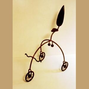 """אופניים, פסל """"מצ'או"""" של ישראל פרימו"""