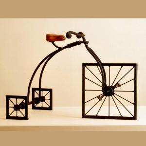"""אופניים """"מרובעים"""", ישראל פרימו"""