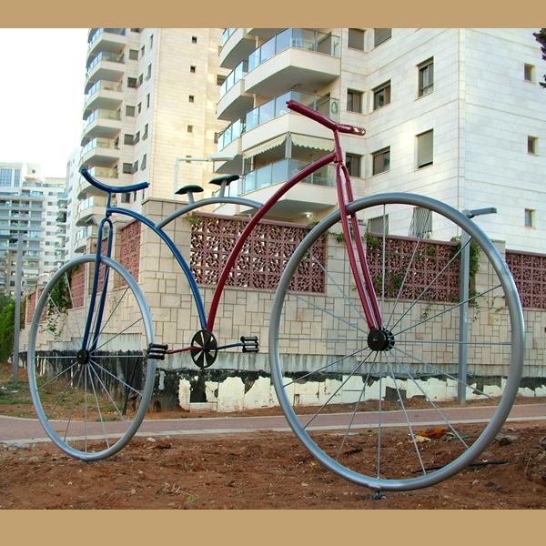 פסלי אופניים פארק העיר באר יעקב